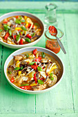 Süsssaure Suppe mit Hühnchen (Asien)