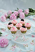 Strawberry Oreo cupcakes