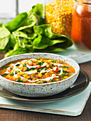Spinach and tomato dhal with yoghurt (India)