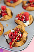French toast muffins with yoghurt and berries