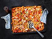 Oven-baked vegetarian tomato pasta
