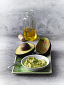 An avocado mask with olive oil