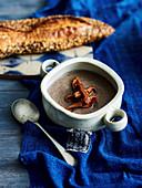 Winterliche Pilzsuppe mit Creme Fraiche