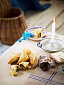 Spanakopita (Filoteigtäschchen mit Spinat und Feta, Griechenland)