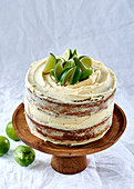 Juniper berry and lime cake with vanilla cream