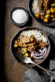 Rogan Josh with goat meat and rice (curry, India)
