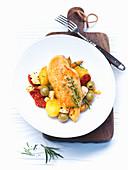 Hähnchen Lissabon mit Oliven und Kartoffeln