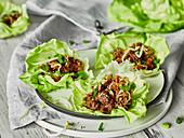Low Carb Wraps mit Salat und Hackfleisch (Asien)