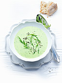 Cream of rocket soup with pepper
