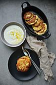 Gebratene Blumenkohl-Pancakes mit Zitronensauce