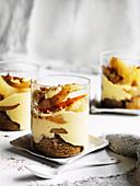 Warmes Birnen-Brandy Trifle für den Winter
