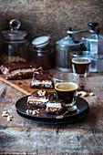 Brownies mit hausgemachtem Nougat und Karamell