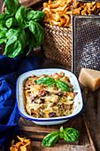 Chanterelle pasta bake