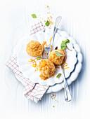 Quark dumplings with butter crumbs