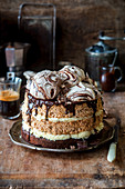 Nut and meringue cake with a brownie base