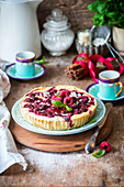 Raspberry tart with cottage cheese