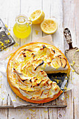 Grilled limoncello tart with vanilla meringue