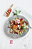 Rote-Bete-Gemüse mit Pastinaken und Granatapfel-Quinoa