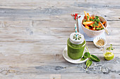 Papaya salad with chilli and green papaya smoothie with spinach