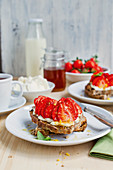 Strawberry bruschetta with ricotta