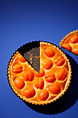 Apricot and marzipan tart (trend from the 1980s)