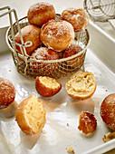 Mini doughnuts with vanilla cream