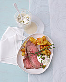 Roast beef with crispy potatoes and sour cream remoulade