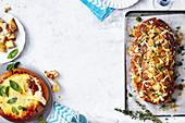 Zwei gefüllte Brote, Lasagne zum Dippen und Feta-Zupfbrot