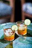 Gin Tonic mit Gurke und Pfeffer