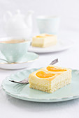 Juicy mandarin cheesecake tray bake