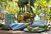 Zutaten für Zitronenlimonade : Citrus limon ( Zitronen, Limetten )