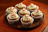 Pumpkin spice cupcakes with honey
