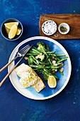 Fisch mit cremiger Zitronen-Dillsauce und Mandel-Gemüse