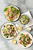 Nizzasalat mit Reis und Japanischer Thunfisch mit Reis; Thunfisch-Brokkoli-Salat mit Hummus-Dressing und Griechischer Reissalat
