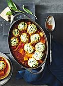 Eintopf mit Wintergemüse und Parmesan-Spinatklössen