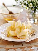 Birnen mit Honig und Pecorino