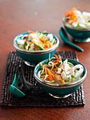 Pho Bo (Suppe mit Fleisch und Reisnudeln, Vietnam)