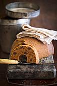 Boston Brown Bread, sliced (USA)