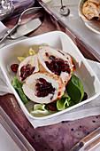 Hähnchenbrust, gefüllt mit Cranberries und Weichkäse