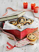 Mince pies in a biscuit tin (Christmas)