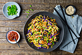 Stir-fried noodles with pork and vegetables