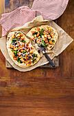Tandoori naan pizzas