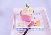 Cashew cream spread
