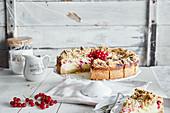Redcurrant crumble cheesecake