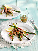 Grilled asparagus with bacon and lemon dressing