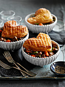 Individuel steak and kidney pies