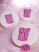 Biscuits decorated with purple fondant owls
