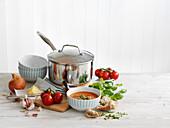 Tomatensuppe mit Zutaten