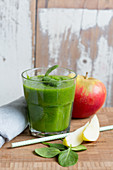 An apple and spinach smoothie