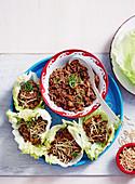 San Choy Bau (Schweinehackfleisch in Salatblättern)